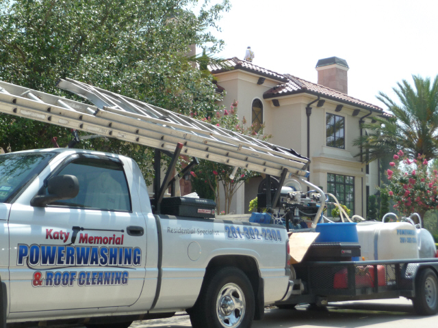 Tile Roof In Houston Texas Cleaned By Katy Memorial Roof