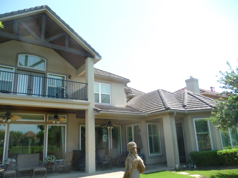 Concrete tile roof cleaning in Houston TX